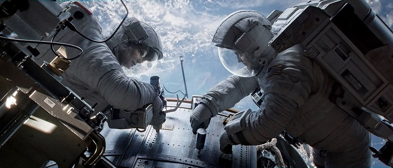 Defining 'Gravity': Sandra Bullock, Alfonso Cuarón Talk Pull Behind Film's Title (Video)