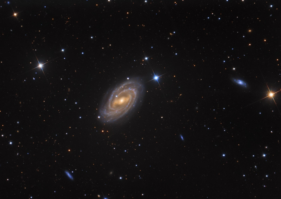 Skywatcher Snaps Beautiful Photo of Massive Spiral Galaxy
