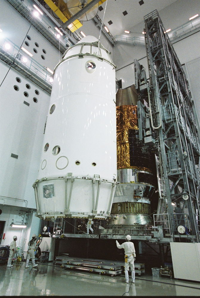 HTV No4 Payload Fairing Encapsulation Near Complete