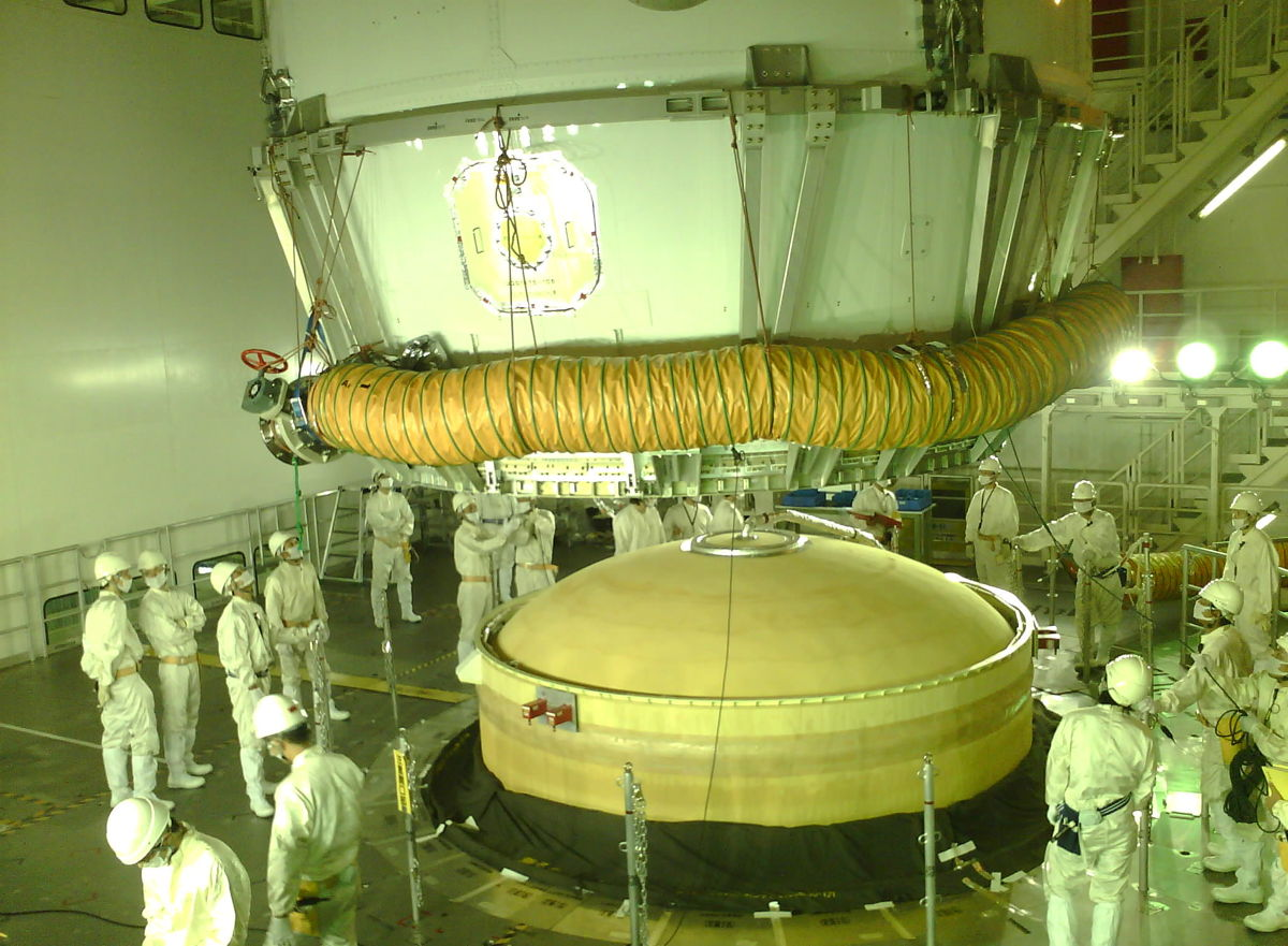 KOUNOTORI4 Installed Onto H-IIB Launch Vehicle