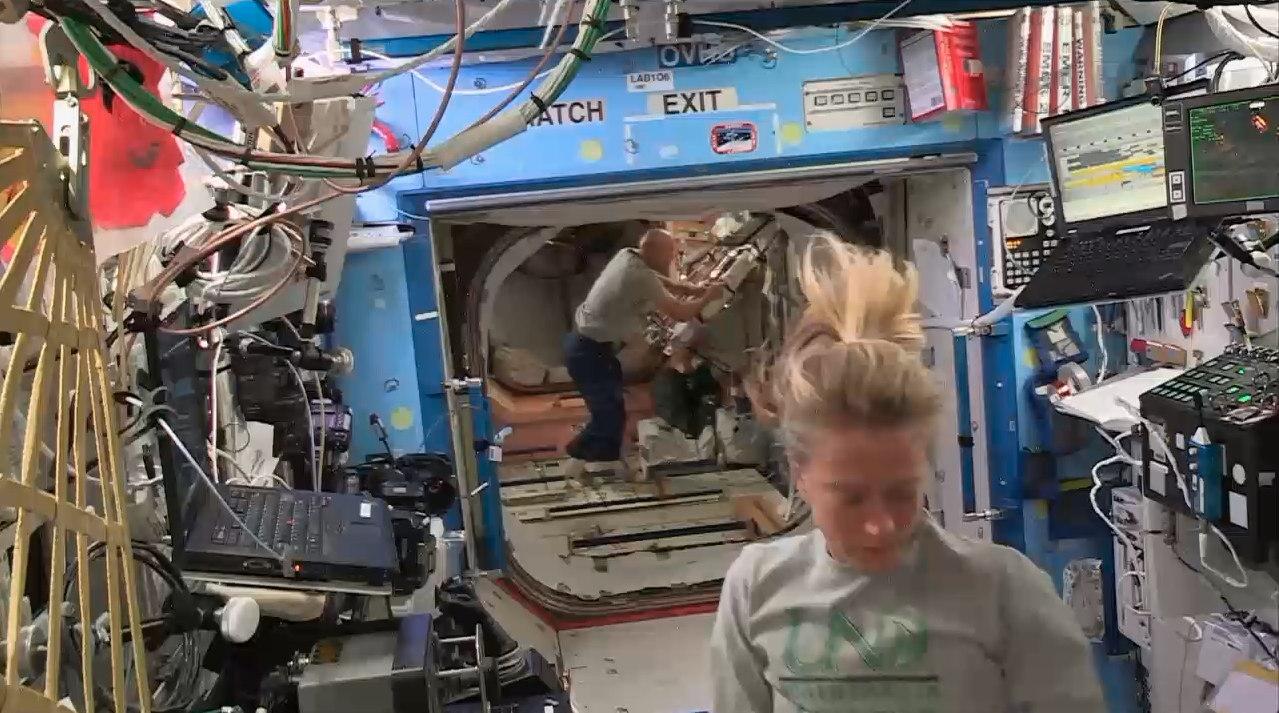 ISS Crew Members Dock Japanese Cargo Vehicle