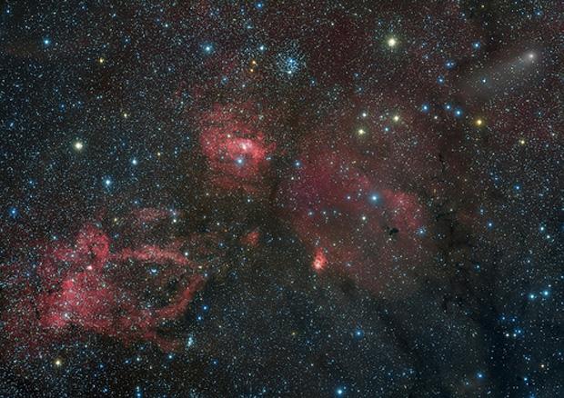 Comet Lemmon Photobombs Stargazer's Stunning Space Snapshot