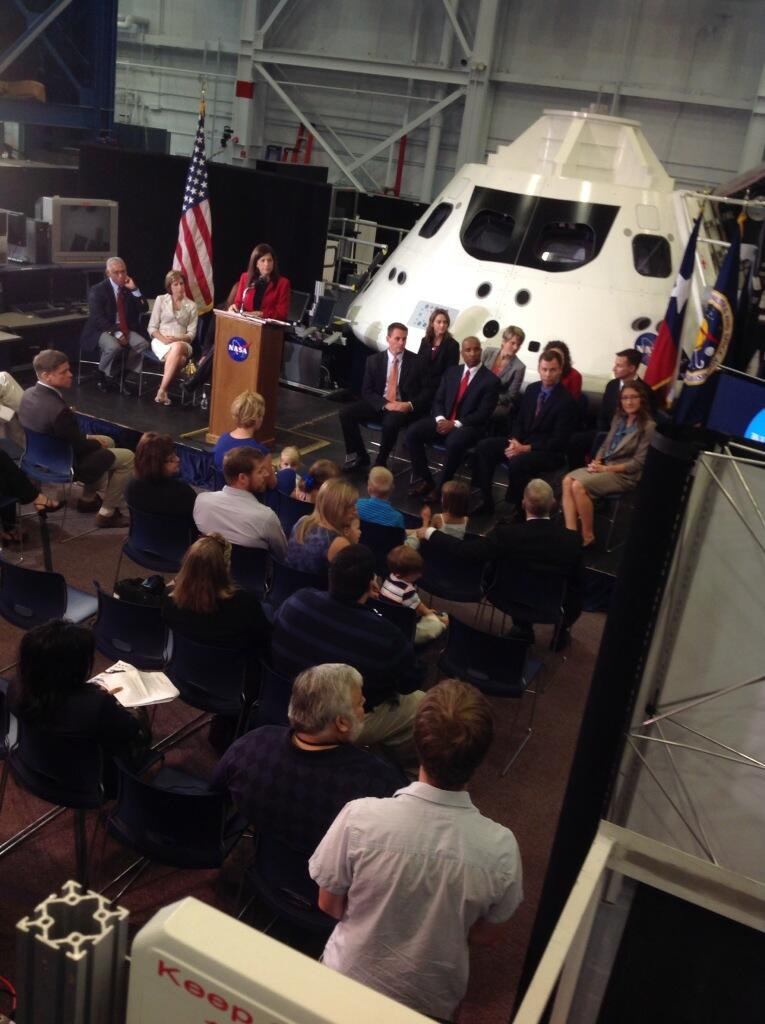 The Astronaut Class of 2013 Takes Media Questions