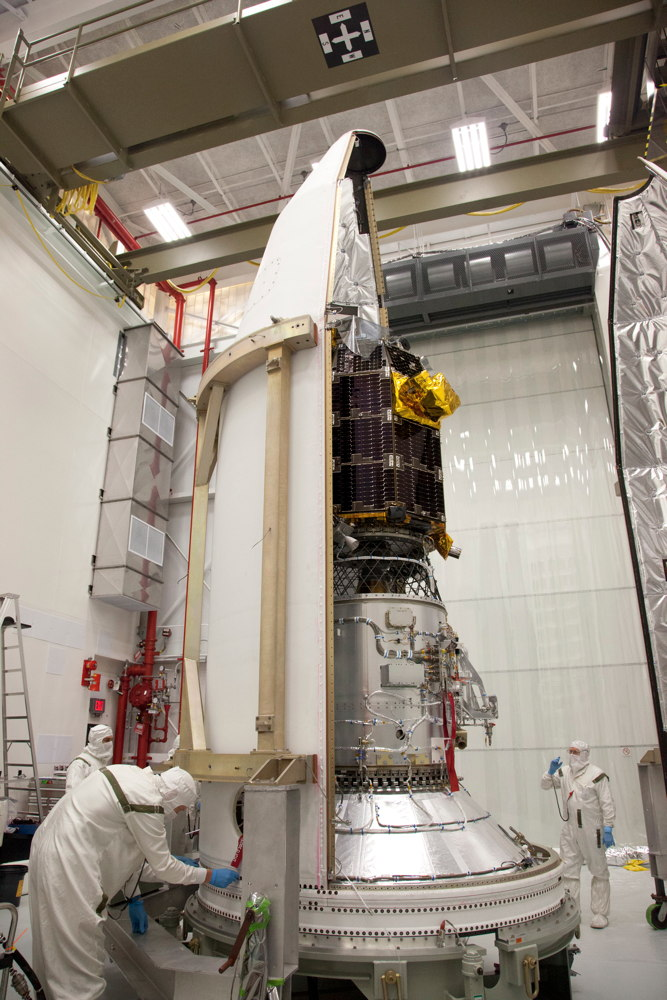 LADEE Spacecraft Encapsulated in Minotaur V Launch Vehicle Nose-Cone