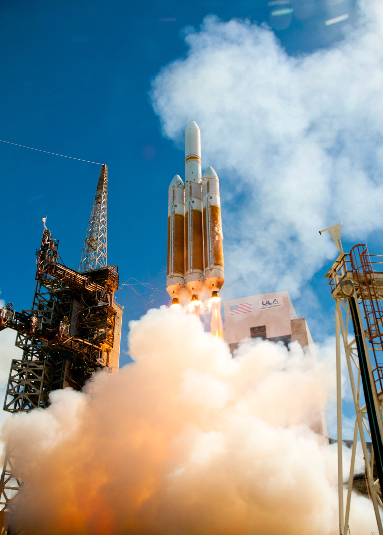 Delta 4 Heavy Rocket Lifts Off