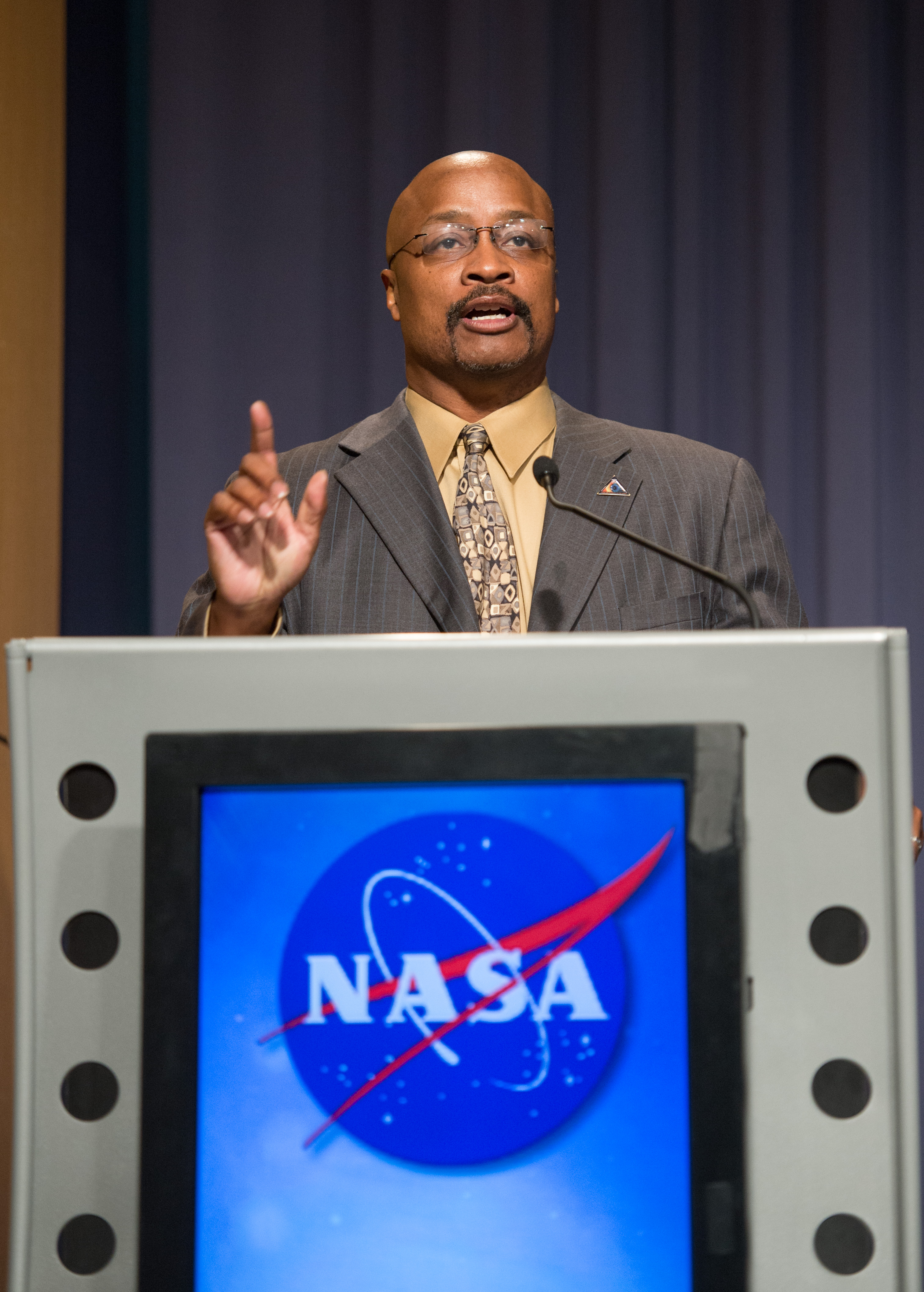 Sept. 12, 2013: Dwayne Brown Kicks Off Voyager 1 News Conference