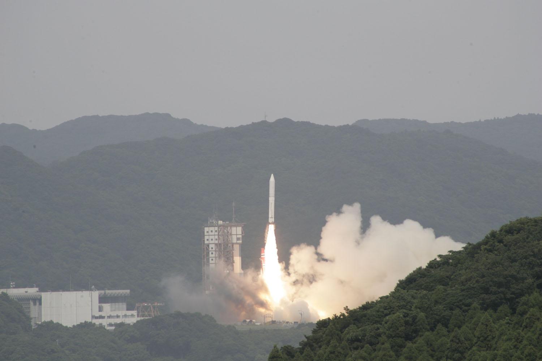 Japan's Epsilon Rocket Launches 1st Flight