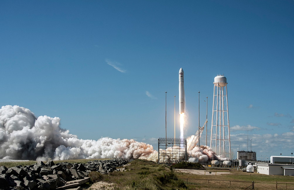 NASA Hails Private Cygnus Spacecraft's 'Picture Perfect' 1st Launch to Station