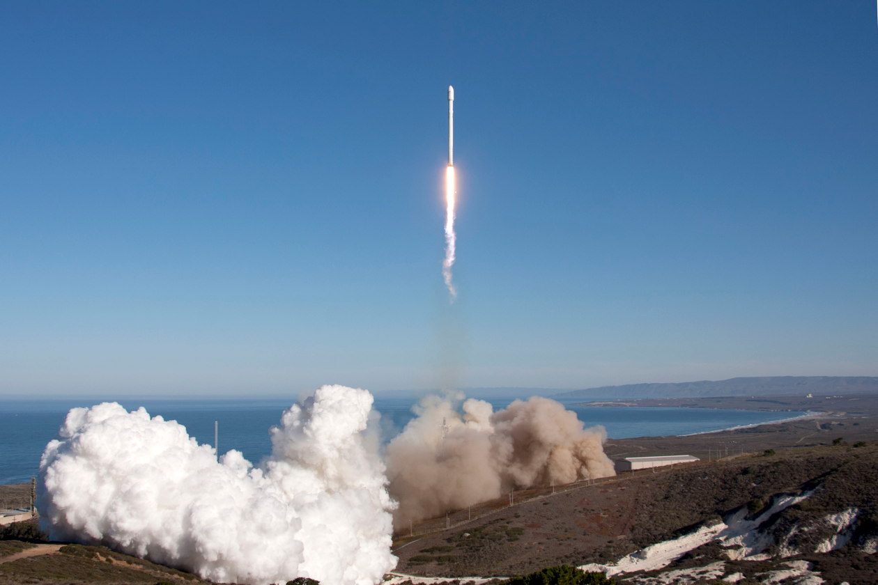 Falcon 9 Lifts Off from SpaceX's Pad at Vandenberg, September 2013