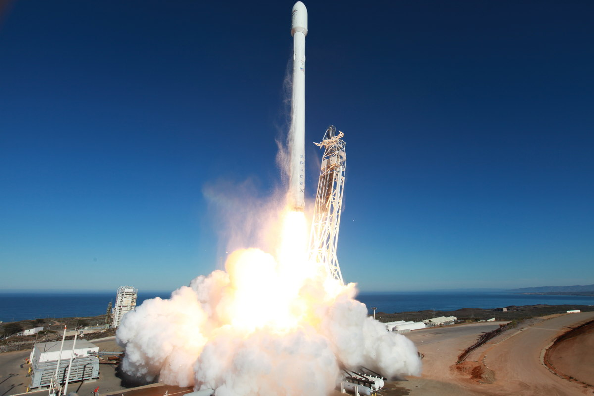 Upgraded Falcon 9 Rocket Lifts Off