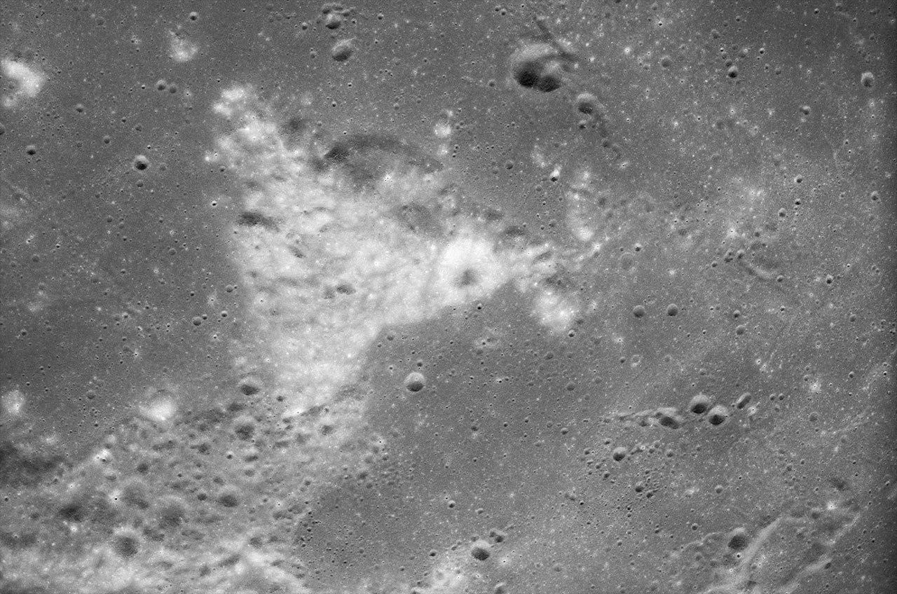 Astronauts Want Moon Landmark Names Recognized