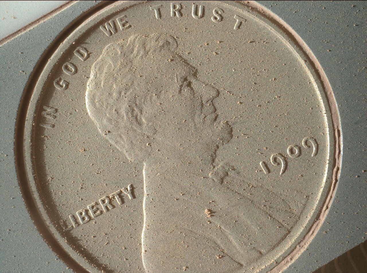 Red Cent: Mars Rover Curiosity Snaps High-Res Pic of Penny Payload