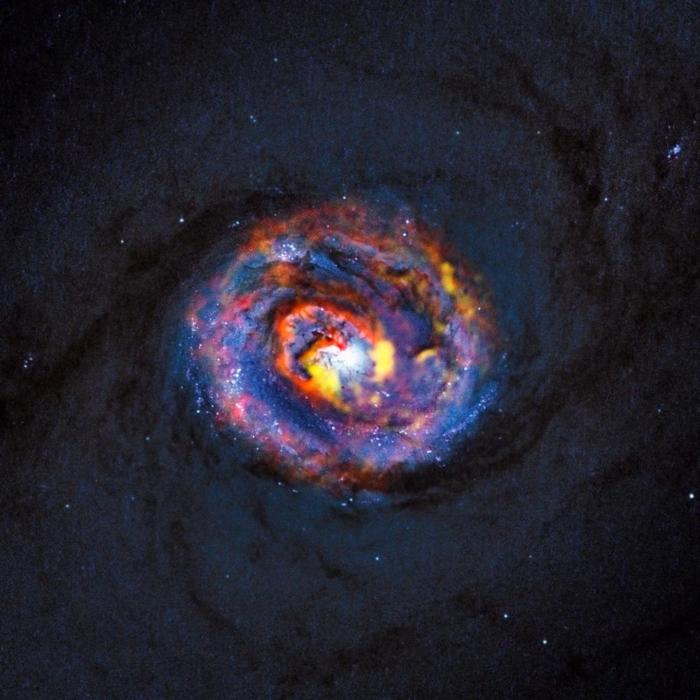 'Black Hole Indigestion' Captured by Giant Radio Telescope (Photos)