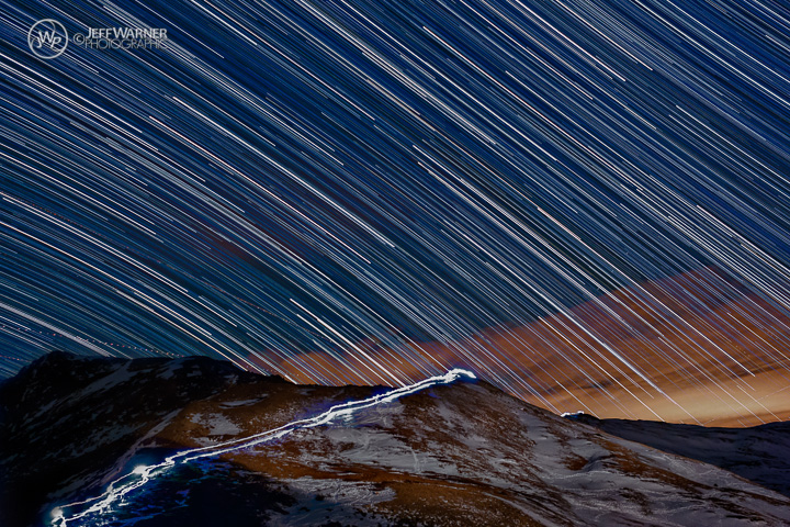 'Tribute Hike' Headlamps Glow Under Dazzling Star Trails (Photos)