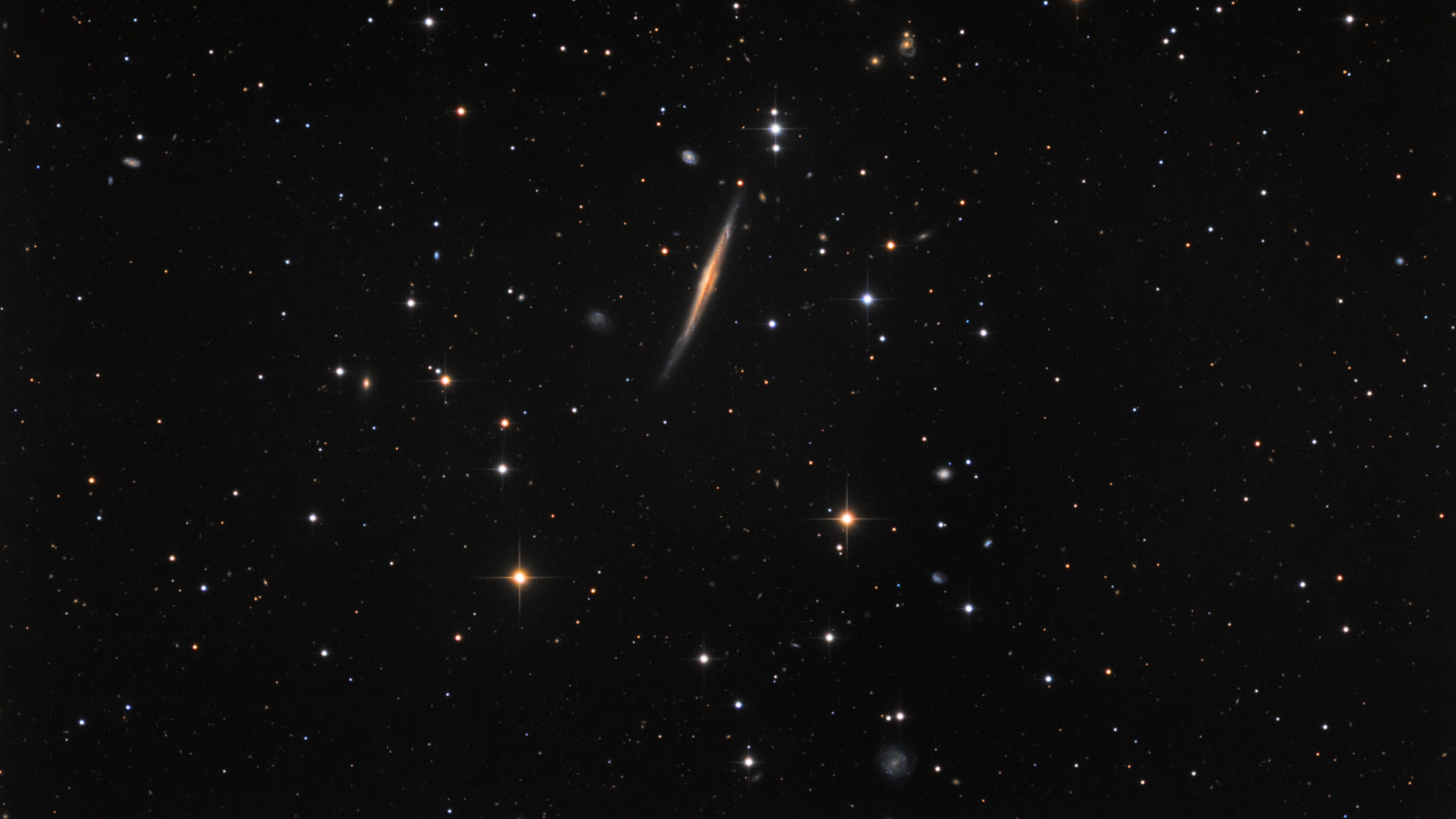 Knife-Edge Galaxy Appears to Slice Through Space in Amateur Astronomer's Photo