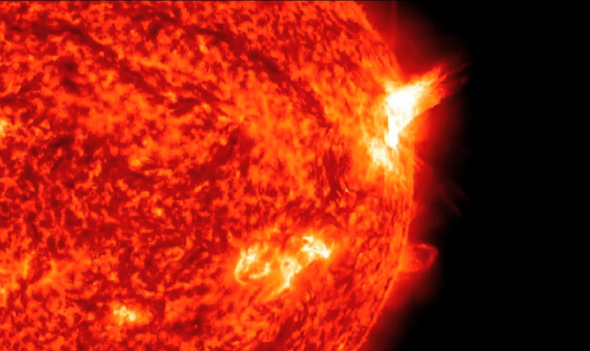 Active Sun Fires Off 3rd Huge Solar Flare in 3 Days (Video)