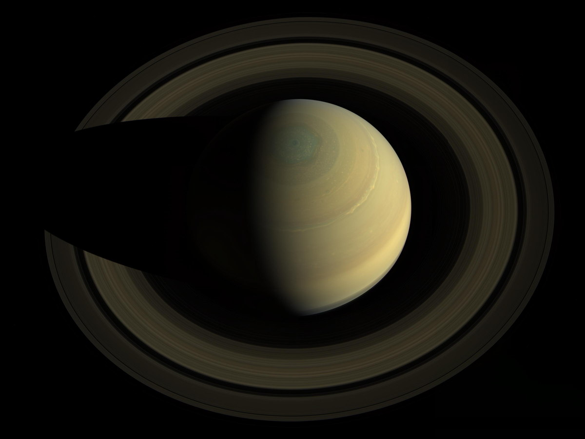 Spectacular Photo of Saturn and Its Rings Captured by NASA Spacecraft