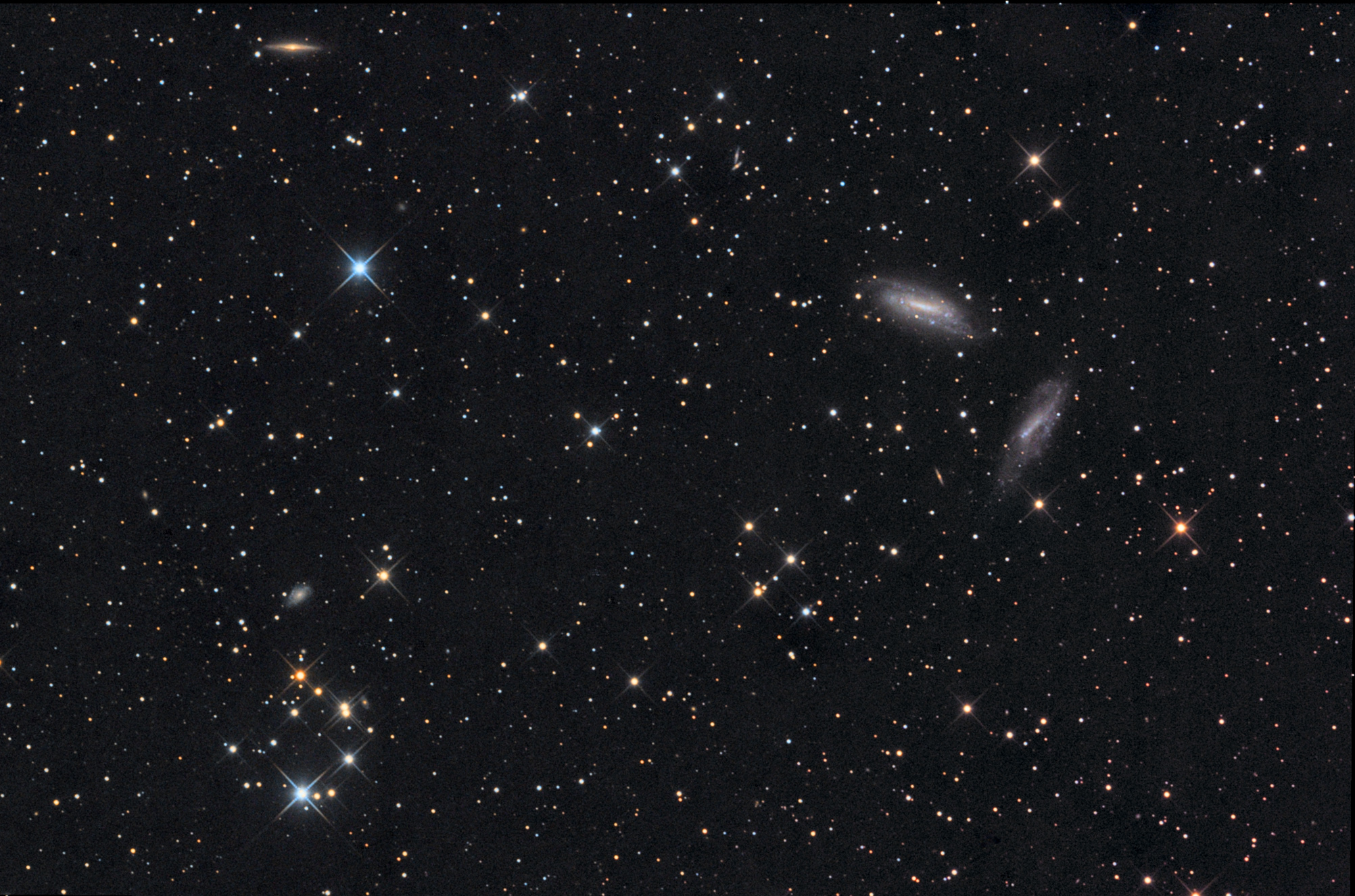 Two Galaxies Share Spotlight in Stunning Stargazer Photo