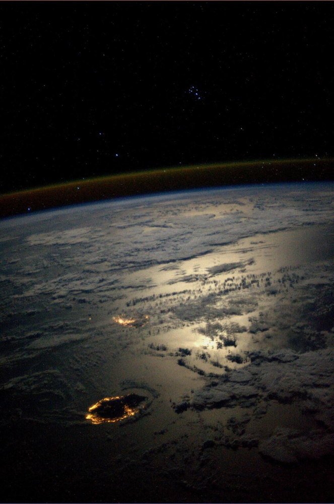 Stargazing Astronaut Photographs Famed Constellations in Space (Images)
