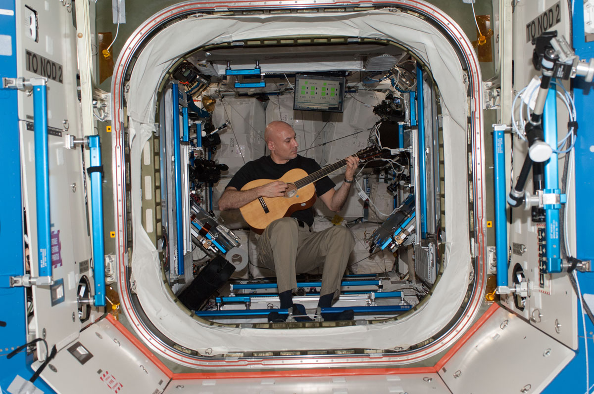 Astronaut Luca Parmitano Plays Guitar