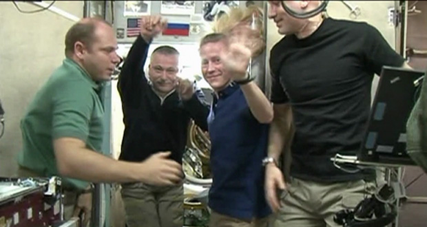 Expedition 37 Crew Bids Farewell
