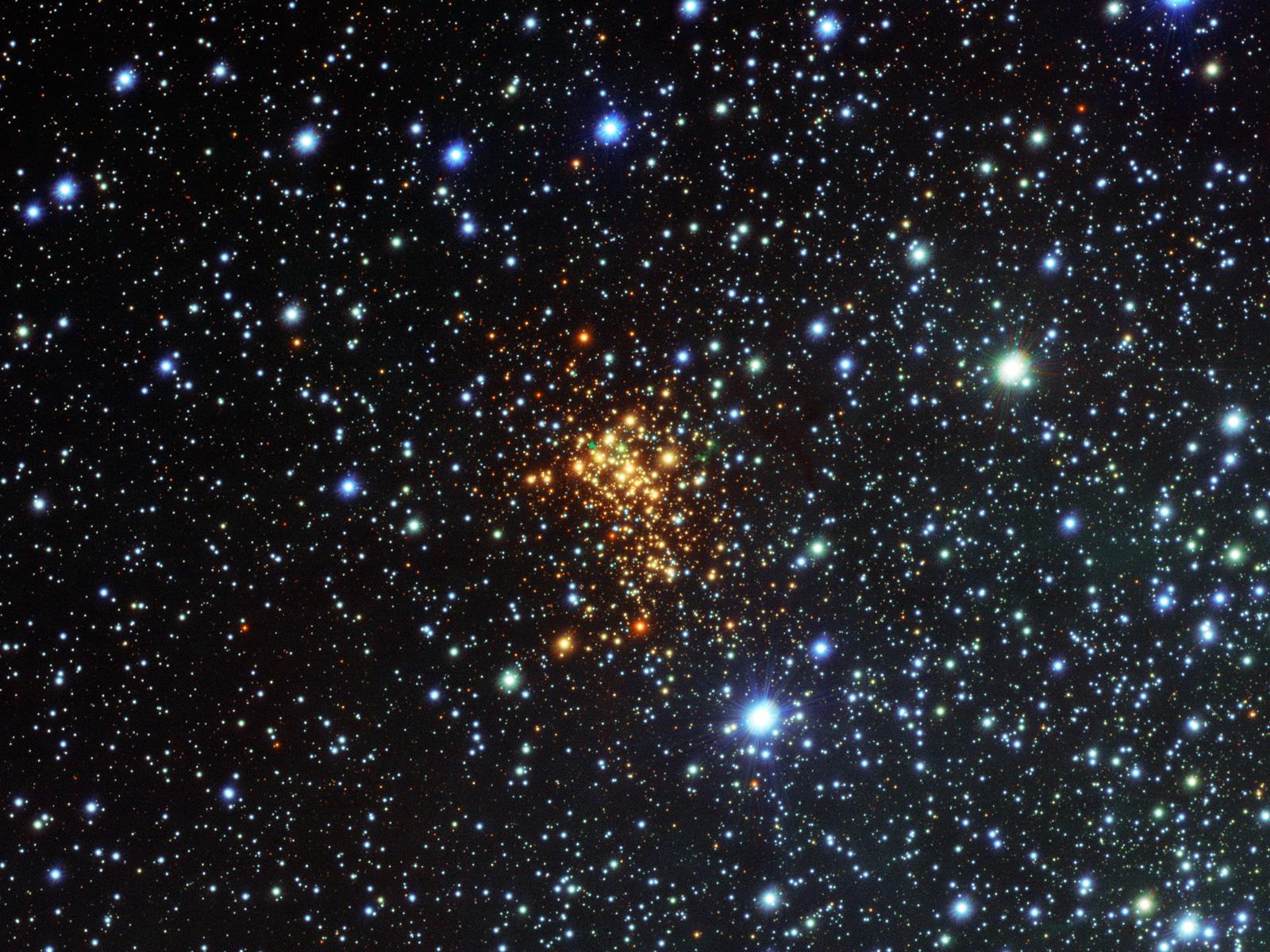 Super Star Cluster   Space Wallpaper
