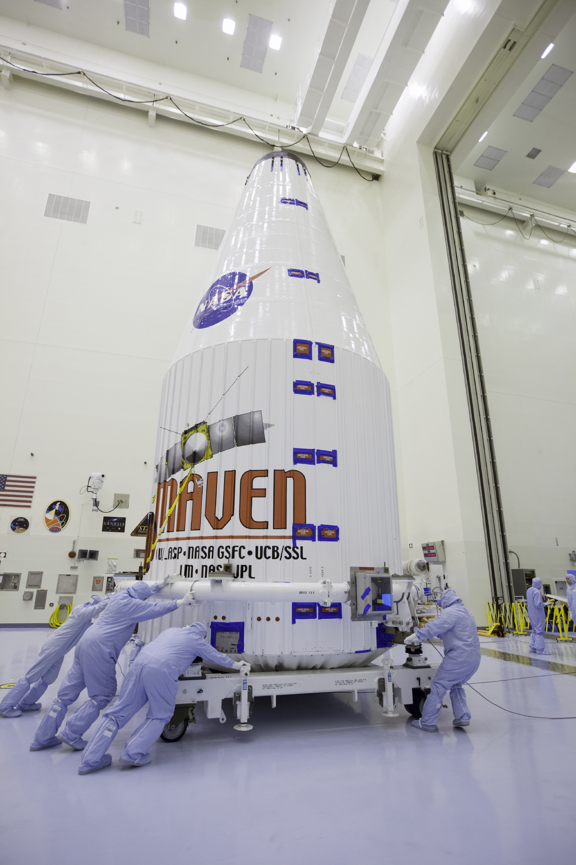 Engineers Move MAVEN Inside Payload Hazardous Servicing Facility