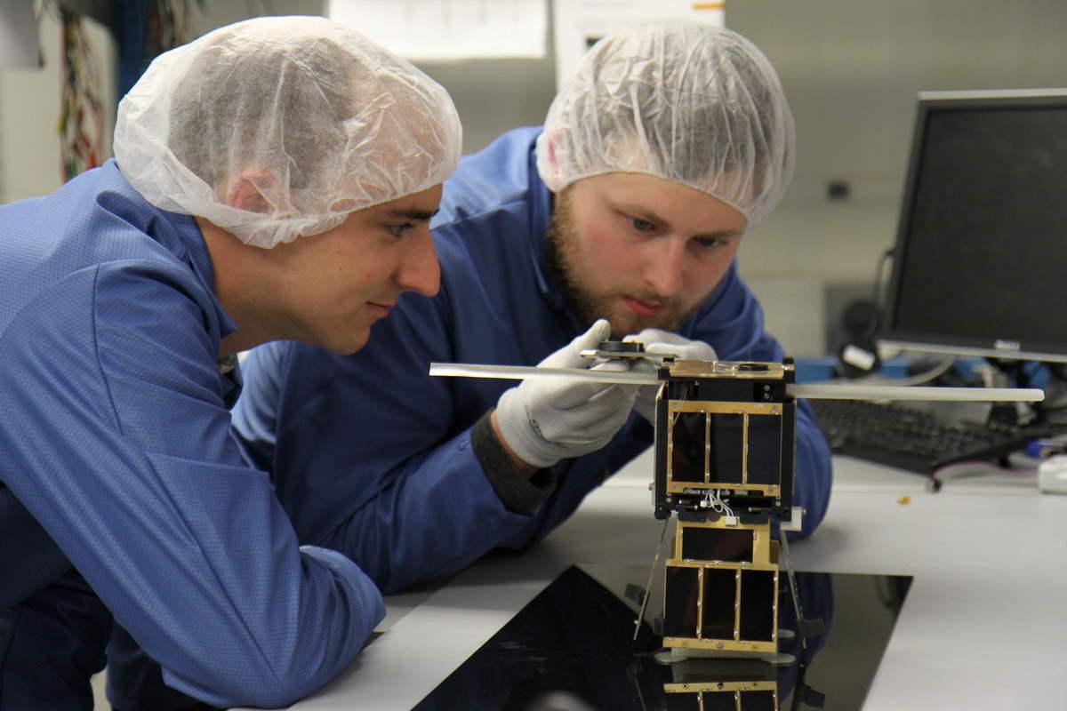 University of Kentucky Students Work on KYSat-2 CubeSat