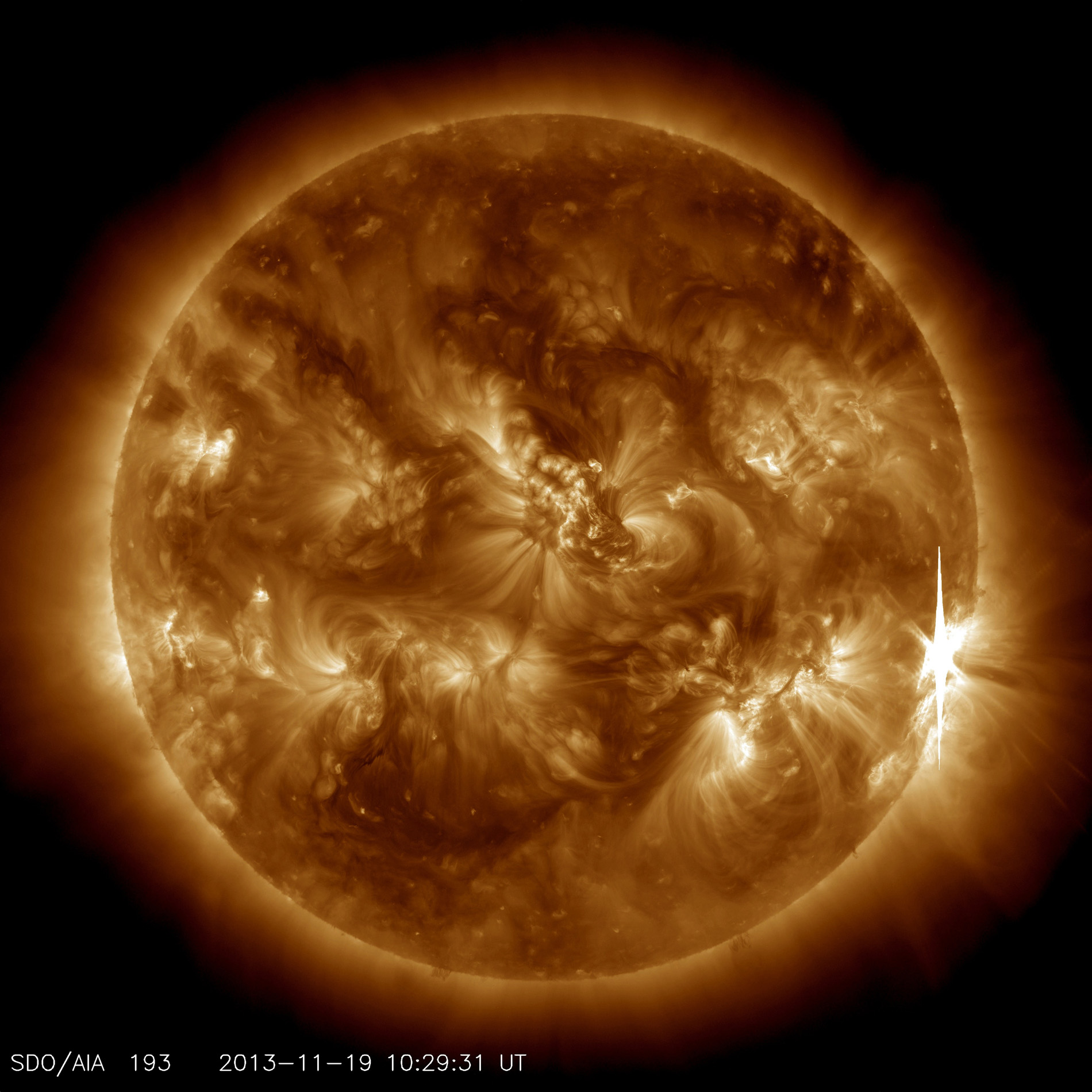 Sun Fires Off Powerful Solar Flare (Video)
