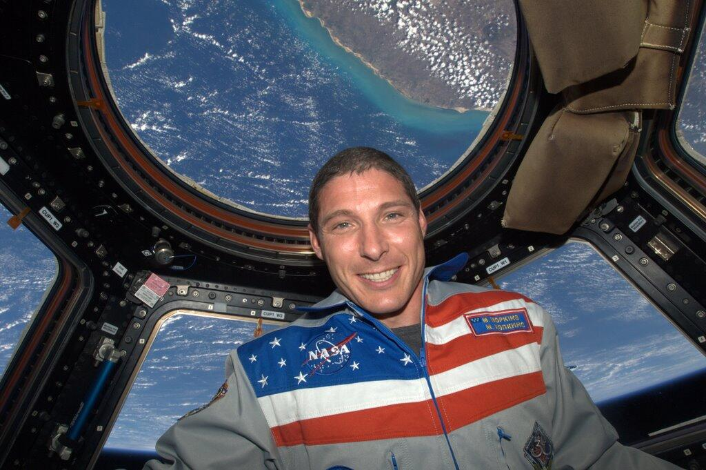 Mike Hopkins Tweets Selfie from ISS Cupola