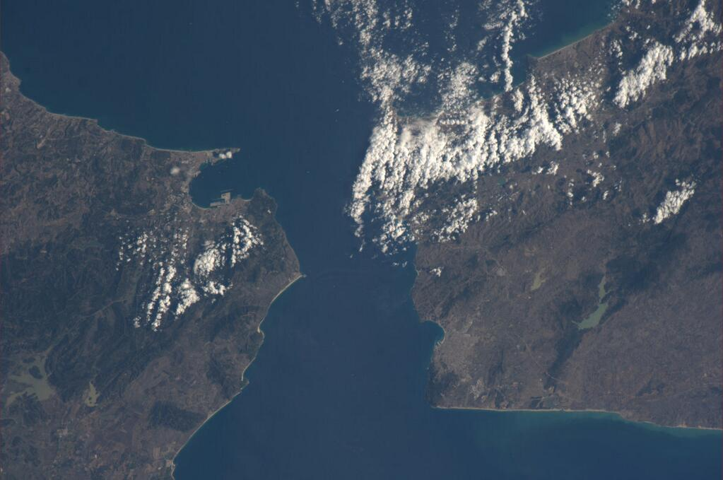 Rick Mastracchio on ISS:  Strait of Gibraltar
