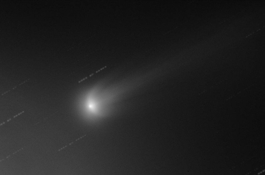 Comet ISON Unfolds Its Wings
