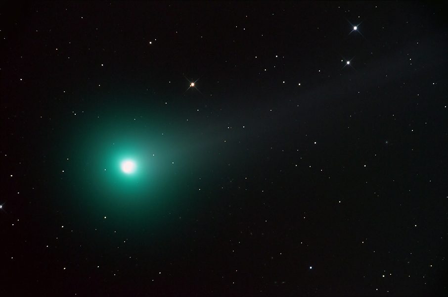 Comet Lovejoy Shares the Dawn Sky
