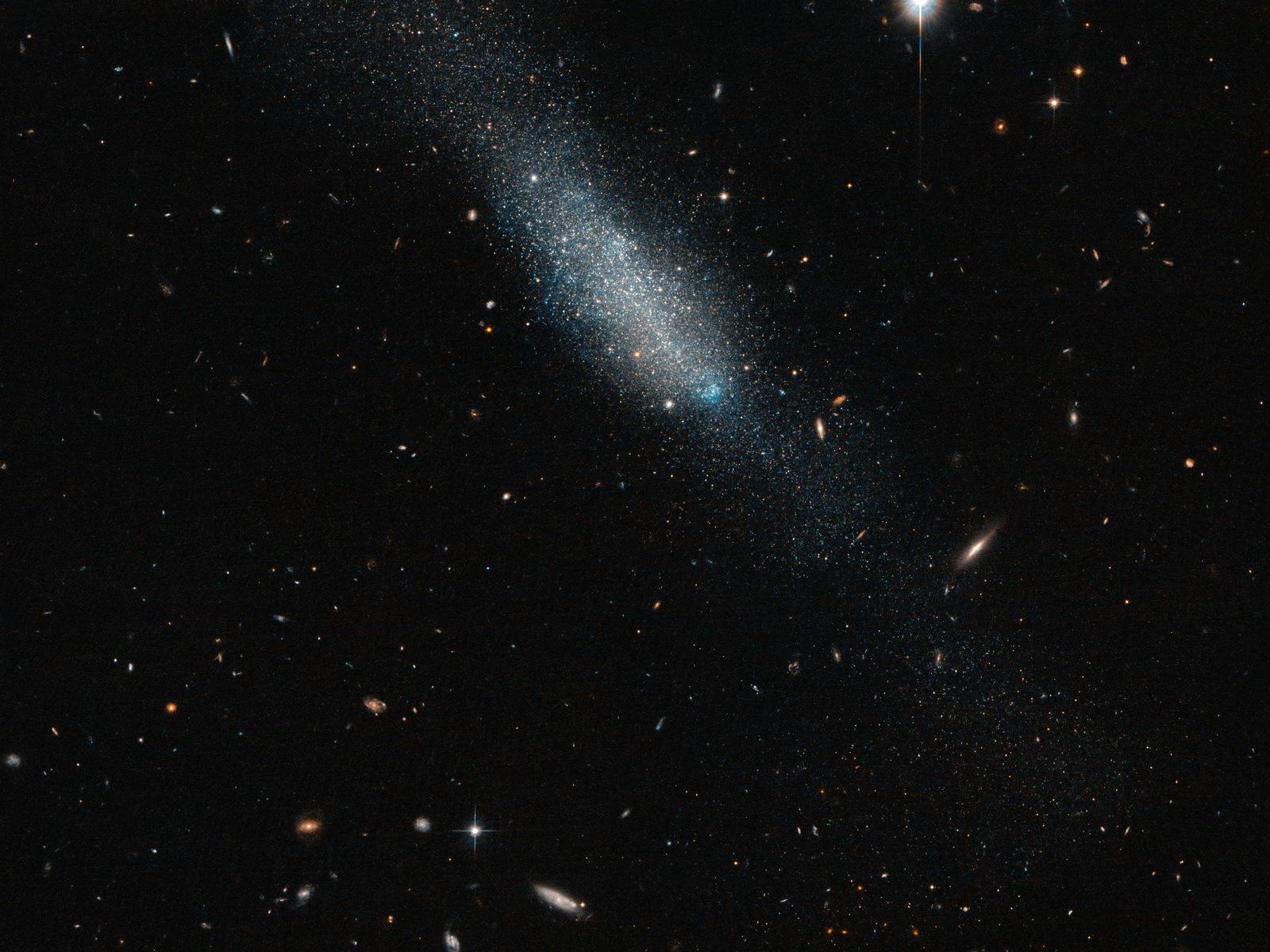 Cosmic Glitter | Space Wallpaper