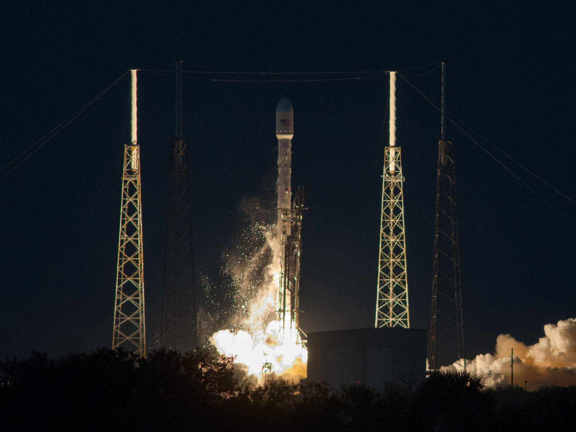 SpaceX Falcon 9 Rocket and SES-8 Lift Off