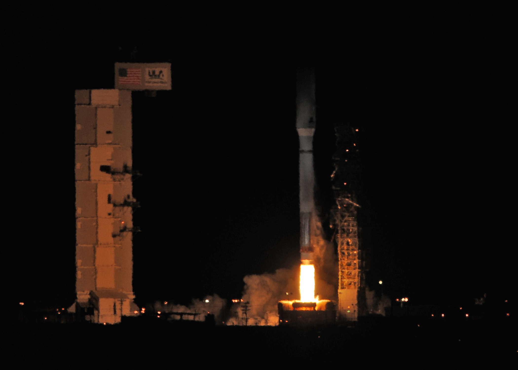Atlas 5 Rocket Launches Air Force's NROL-39 Spysat