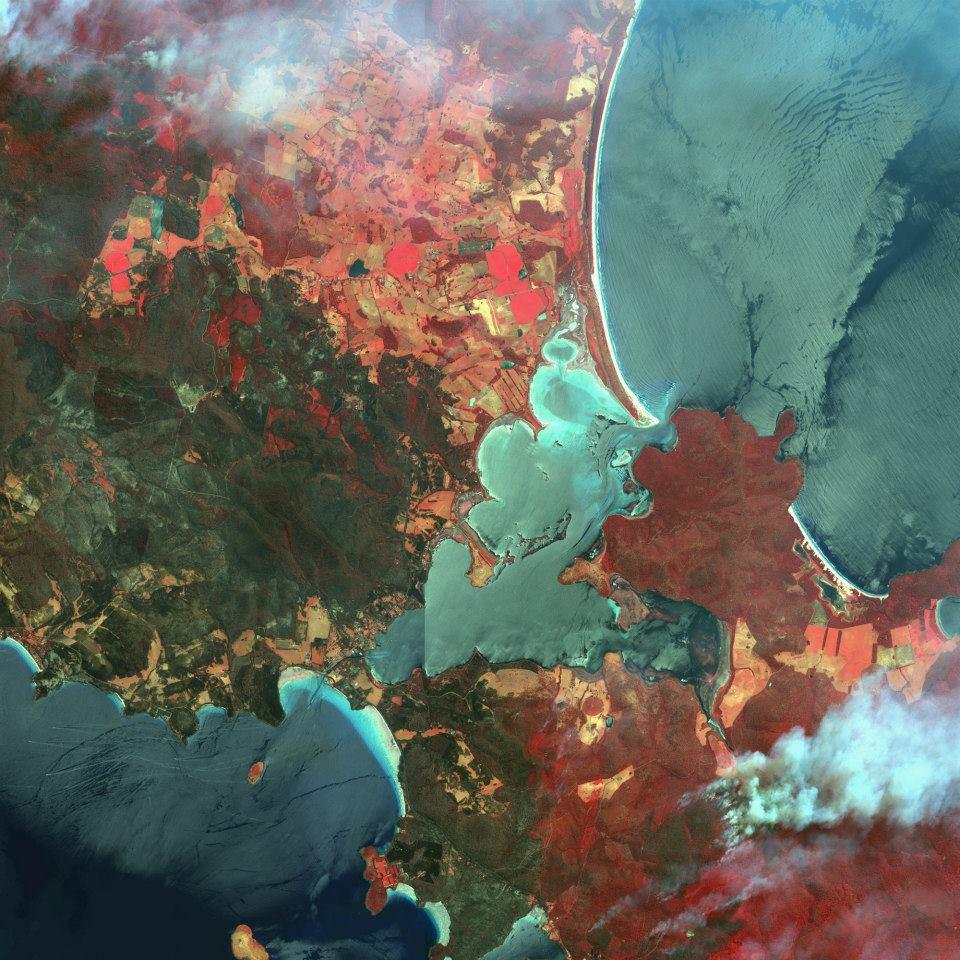 Fires in Dunalley, Australia