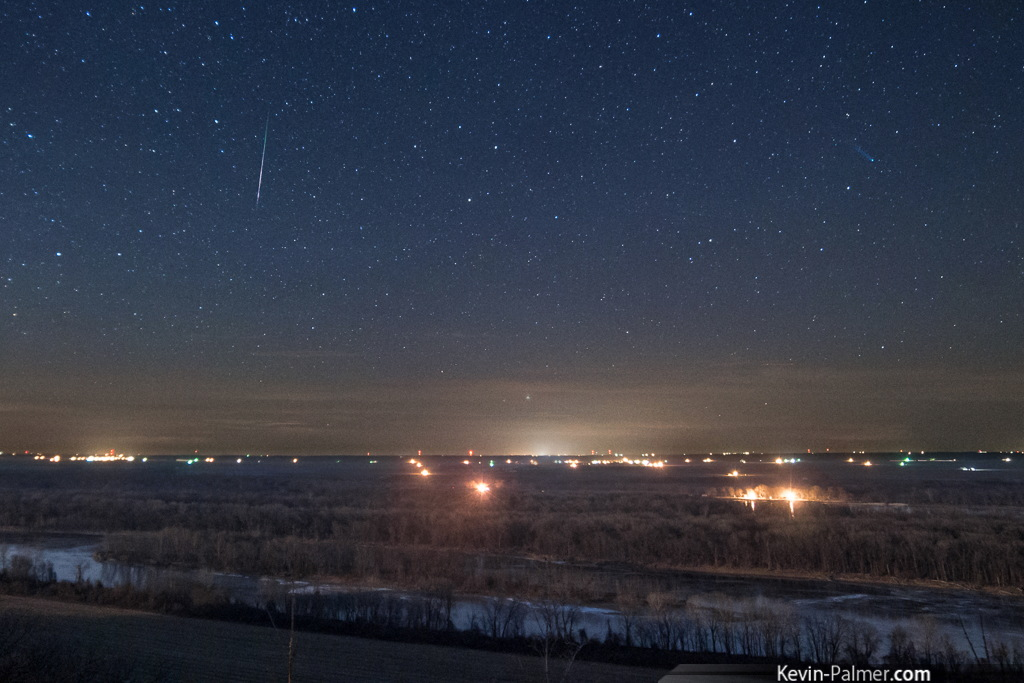 2013 Geminid Meteor and Comet Lovejoy Seen in Missouri