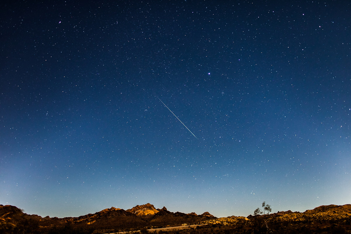 2013 Geminid Meteor Seen Outside Las Vegas, NV