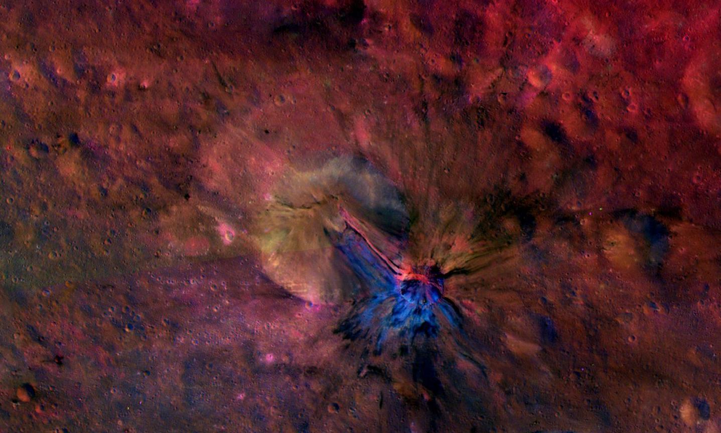 Huge Asteroid Vesta Shines in Dazzling New Light (Images)