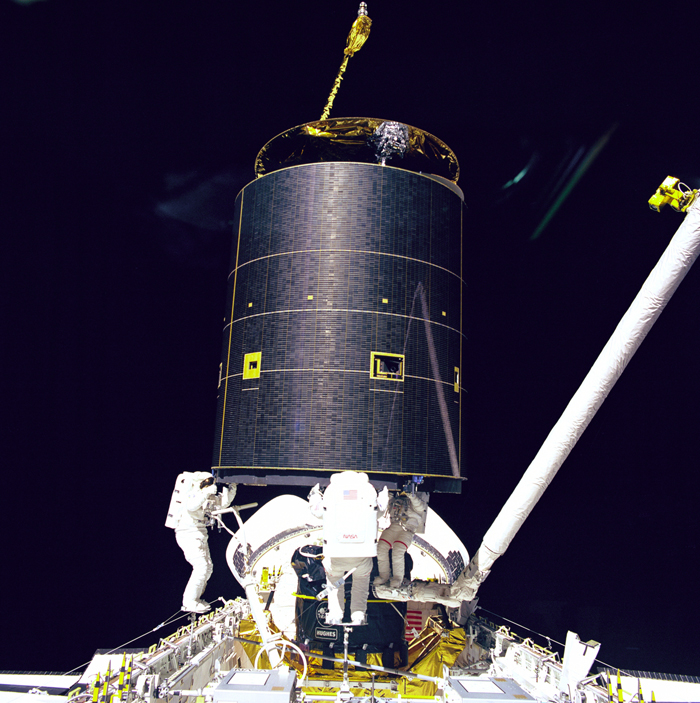 Space History Photo: Three Crew Members Capture Intelsat VI