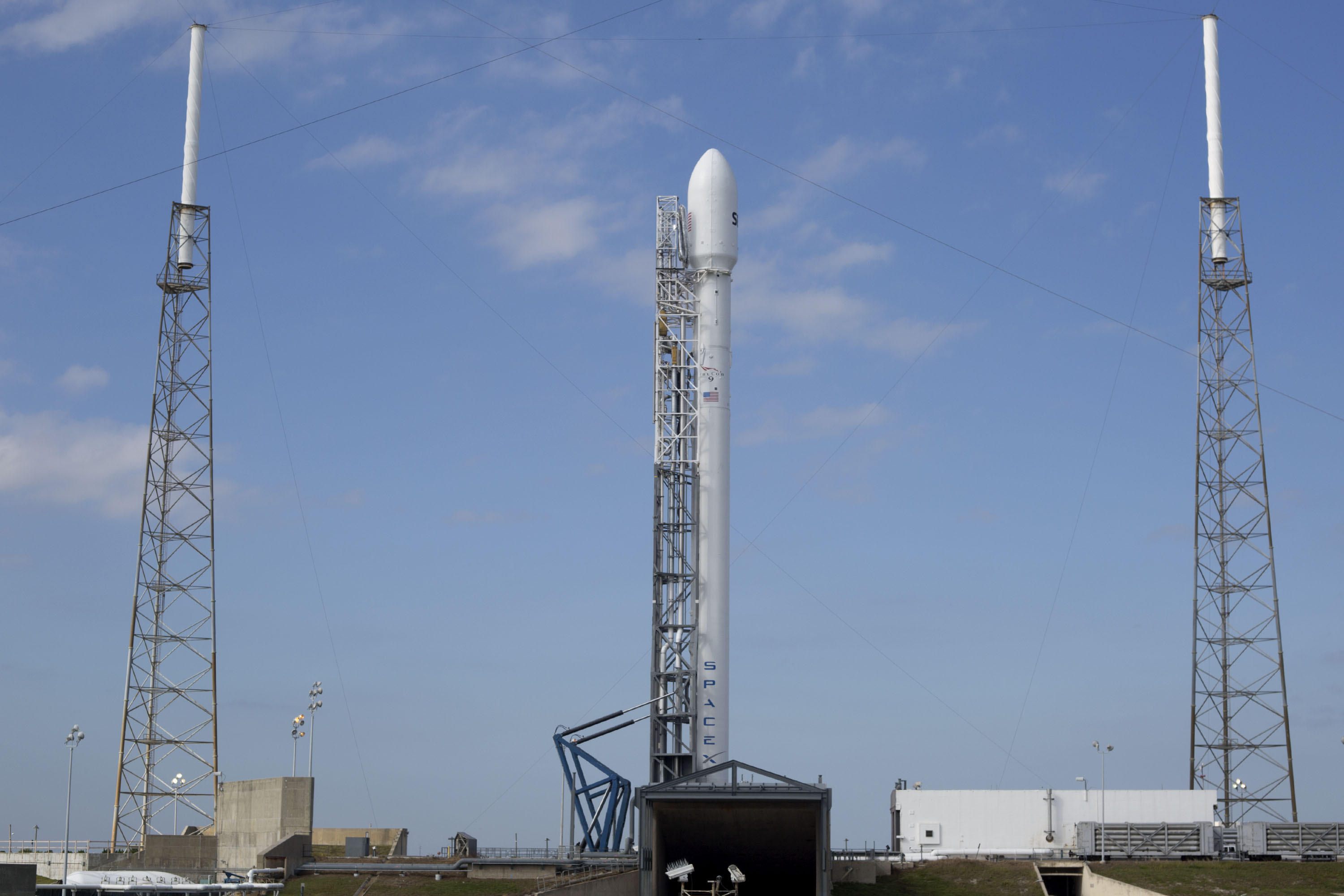 SpaceX Delays Falcon 9 Rocket Launch