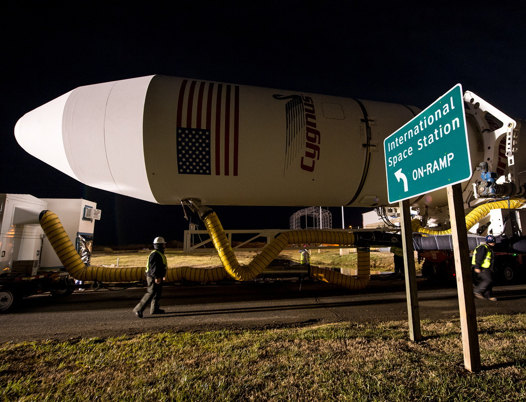 Antares Roll Out to Pad 0A, Dec. 17, 2013