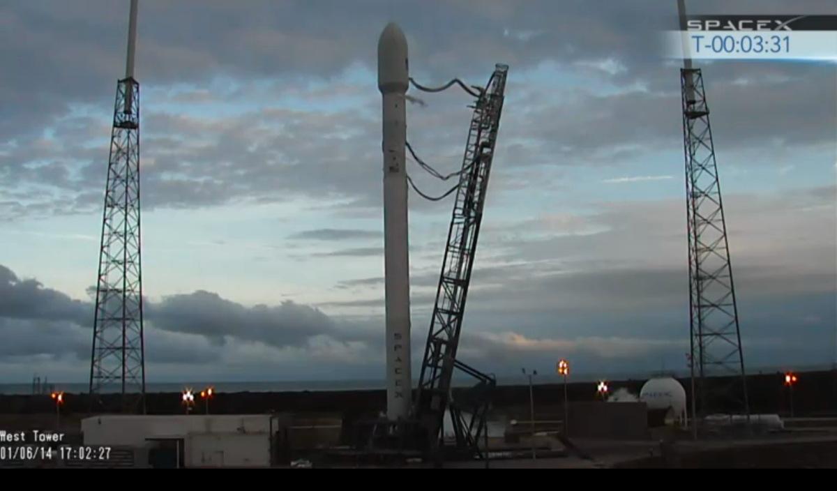SpaceX Falcon 9 Before Launching THAICOM 6 Satellite