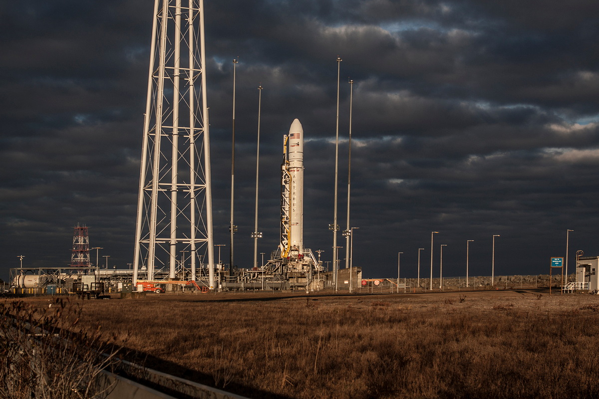 Antares on Pad 0A, Jan. 6, 2014