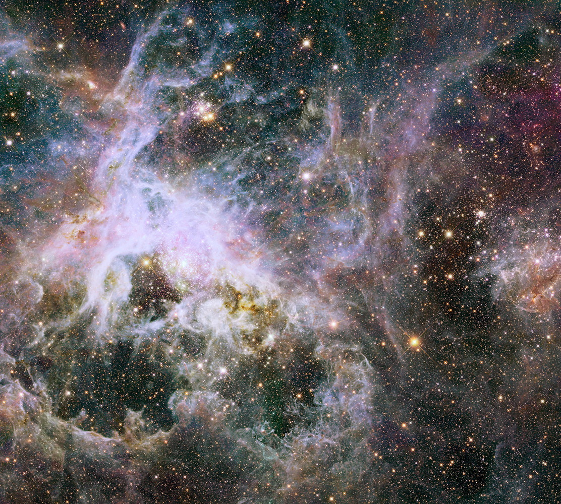 Cosmic Spider: Amazing Tarantula Nebula Photos