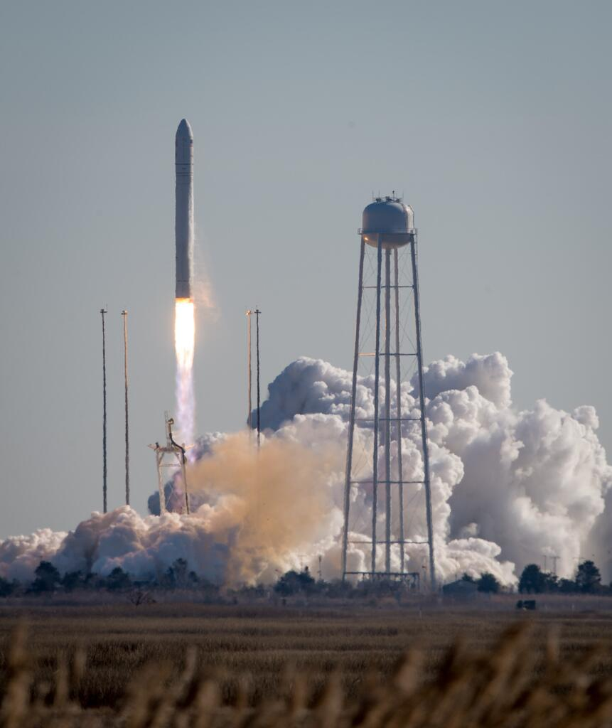 Antares Rocket Blasts Off, Jan. 9, 2014