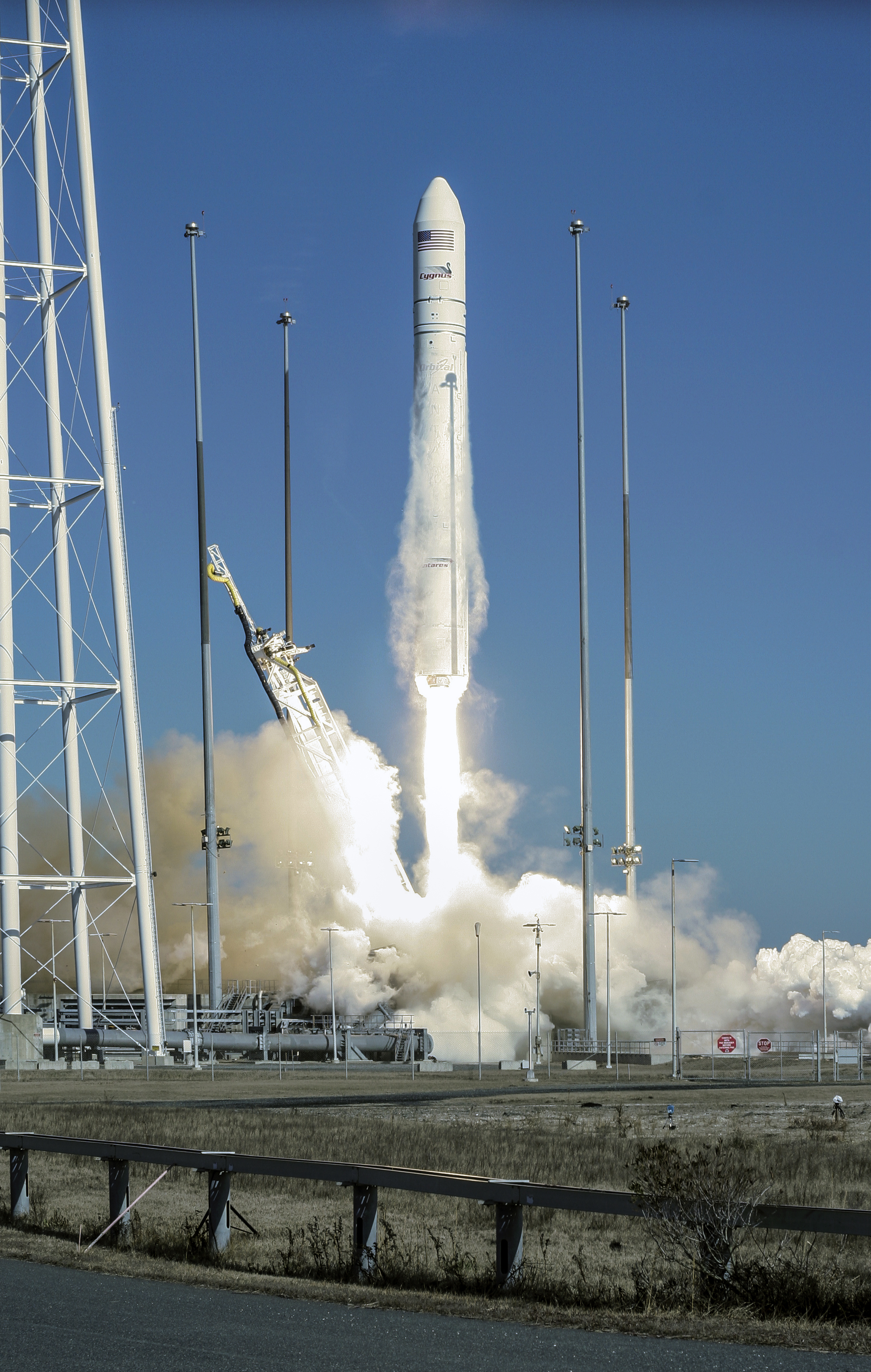 Antares Takes Off from Wallops Island: Jan. 9, 2014