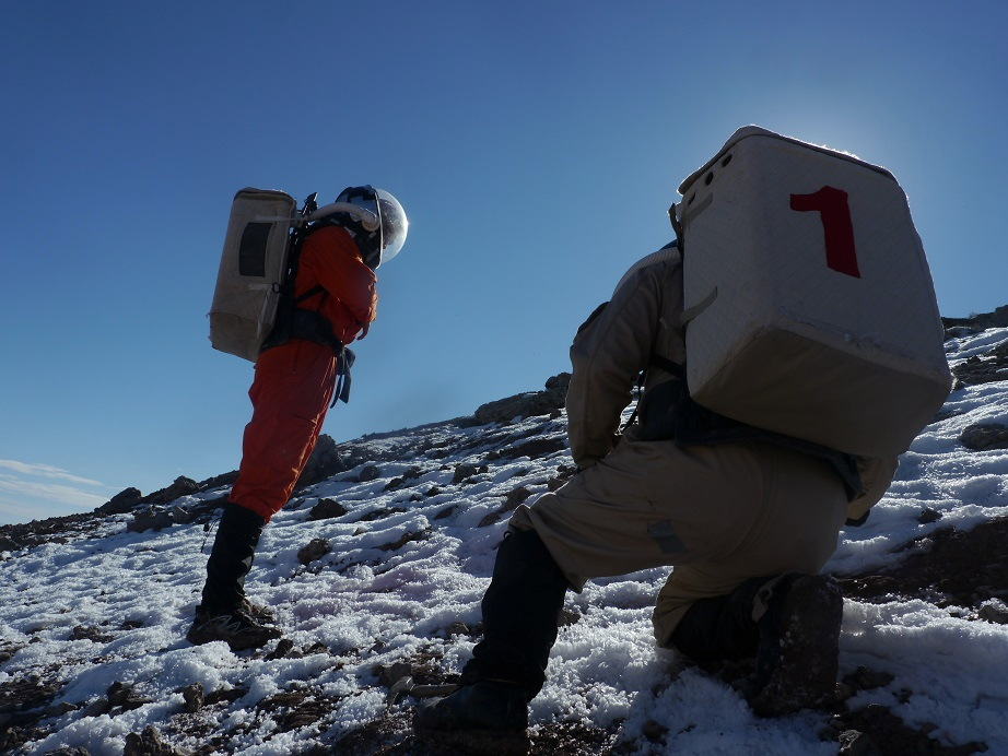 Mock Mars Mission Photos: Life on a Simulated Red Planet