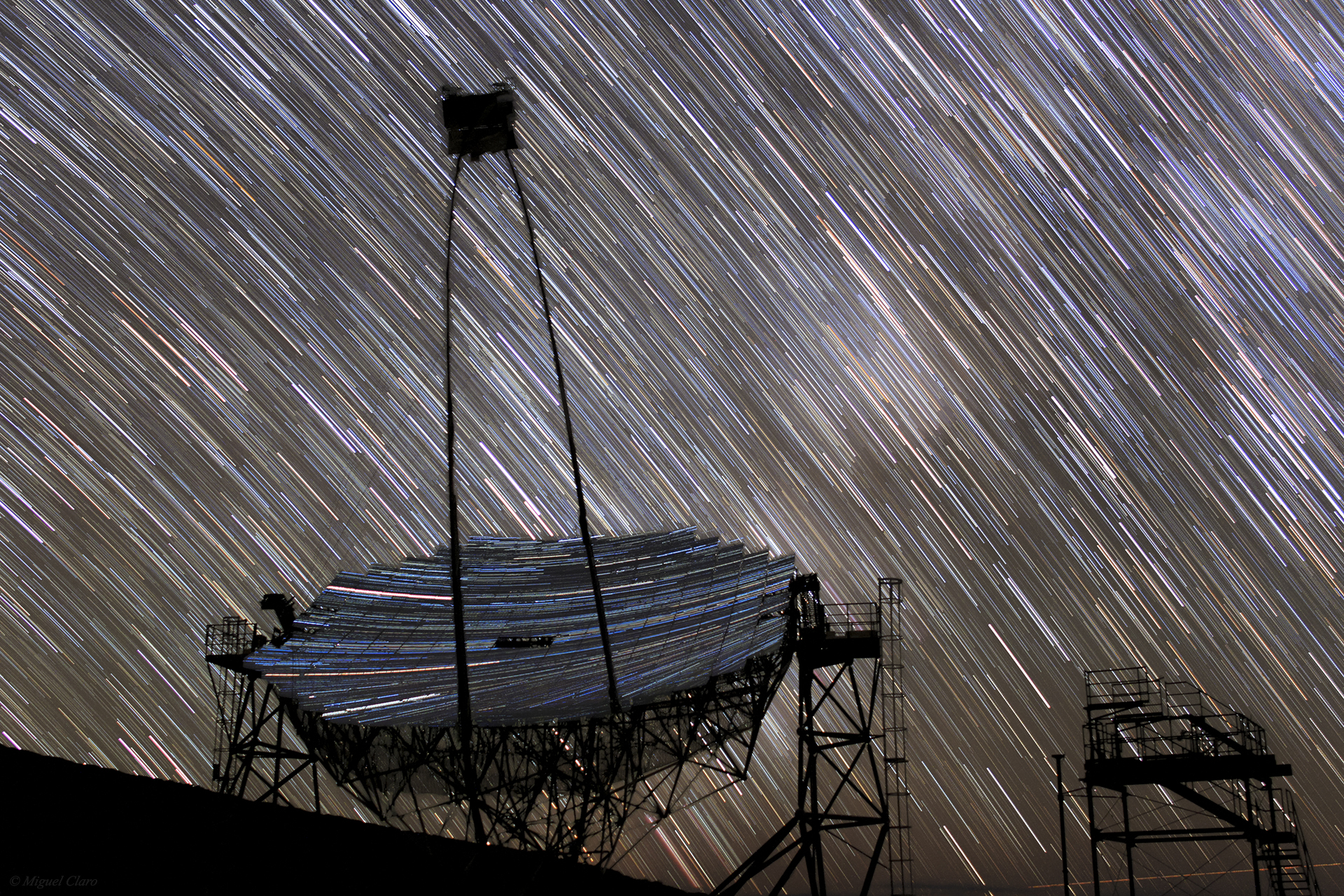 Mirror to the Sky: Star Trails Reflect Off 'MAGIC' Telescope (Photo)